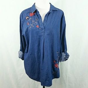 Women's XL denim popover top with embroidery NWT